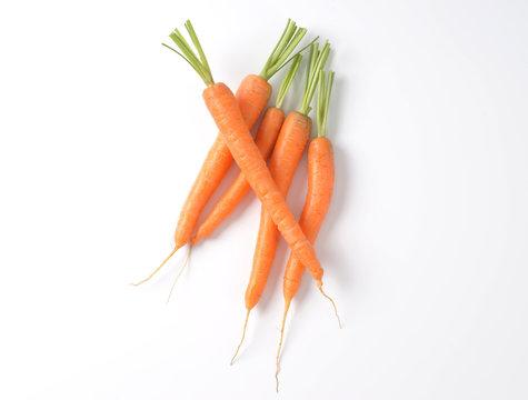whole fresh carrots