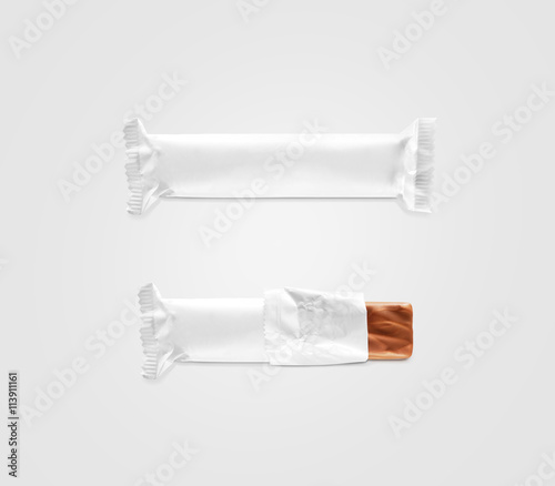 Blank white candy bar plastic wrap mockup isolated. Closed and ...