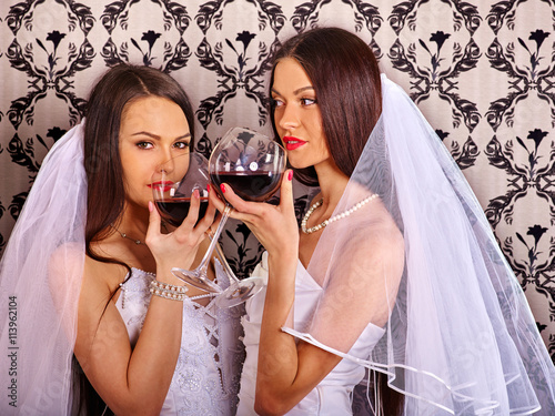 lesbiyanki-v-russkih-porno-filmah-s-ozvuchkoy