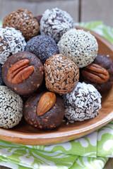 Healthy Paleo Raw Energy Balls