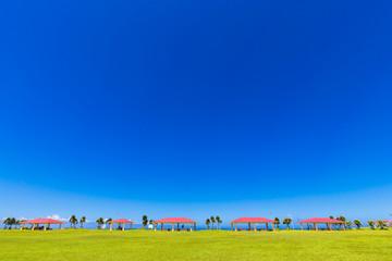 沖縄のぬけるような青空