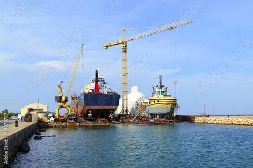 Astillero para reparacion debarcos de medio calado en el - Puerto burriana ...