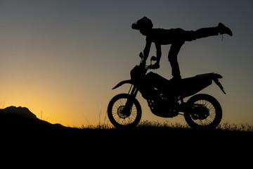 çılgın motorsiklet sürüşü