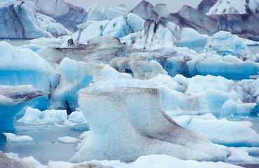 Eisberge auf dem Jökulsárlòn, Südisland, Island