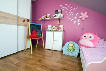 Obraz sypialnia dziewczynki - fototapety do salonu