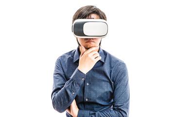 VRゴーグルを身に着けている男性,バーチャルリアリティ体験