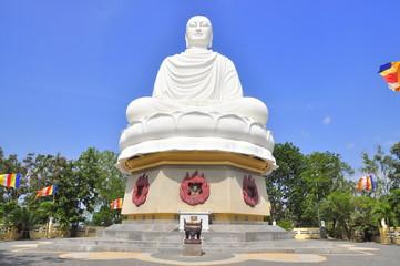 White big statue of Buddha