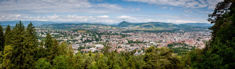 Vue aérienne d'ensemble d'Annecy