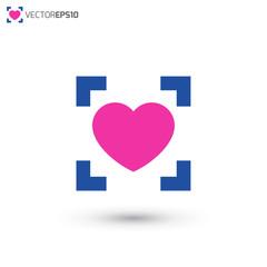 QR Love Logo