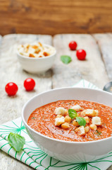 Roasted tomatoes and garlic Basil chickpea soup