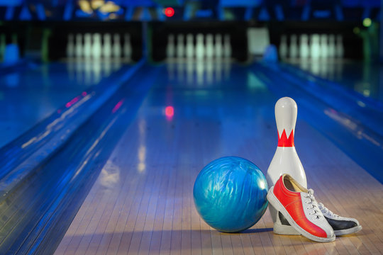 shoes, bowling pin and ball for bowling game