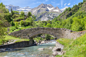 Nadau bridge over Gave de Gavarnie river