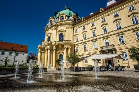 Kaisertrakt und Eingang des Stift Klosterneuburg in Wien, Vienna