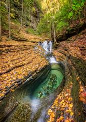 Devils bathtub, autumn foliage, viginia