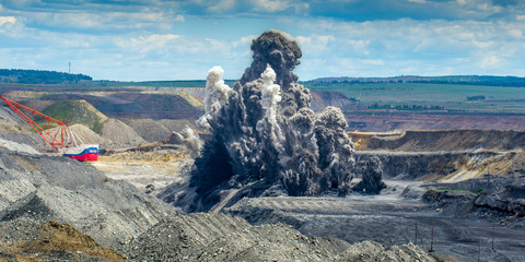 Explosure on open pit