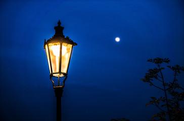 old street lamp against full moon night Fotomurales