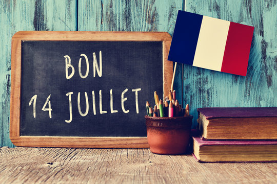 text bon 14 juillet, happy 14th of July in French