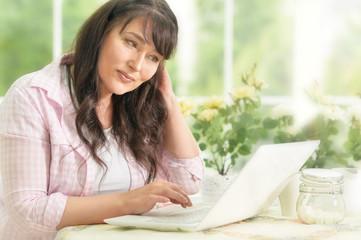 woman portrait with laptop