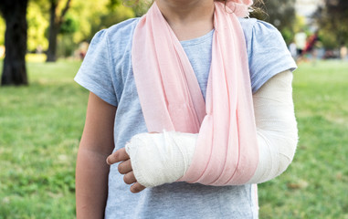 Child with broken hand