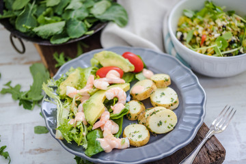 king prawn and avocado salad