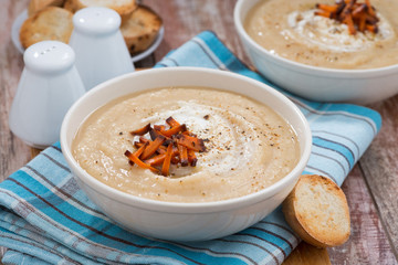 vegetable cream soup with caramelized carrots