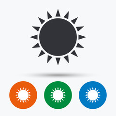 Sun icon. Sunlight summer symbol.