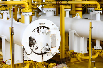 Pig launcher in oil and gas industry, Cleaning pipe line equipment in oil and gas industry, Clean up piping process on the platform in oil and gas industry, production process in oil and rig industry.
