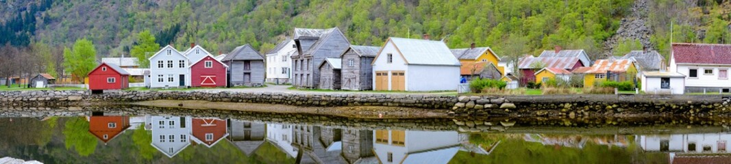 Scandinavian house and lake