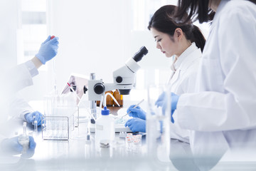 Women who have studied in the laboratory