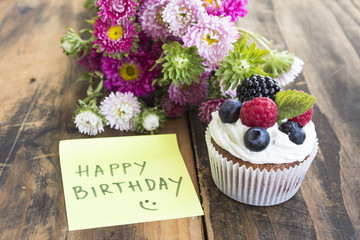"Delicious Cupcake with ""Happy Birthday"" Notepaper and Flowers"