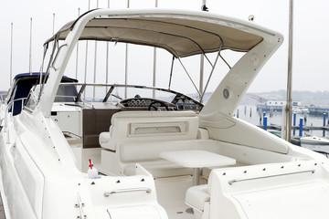 Docking yachts