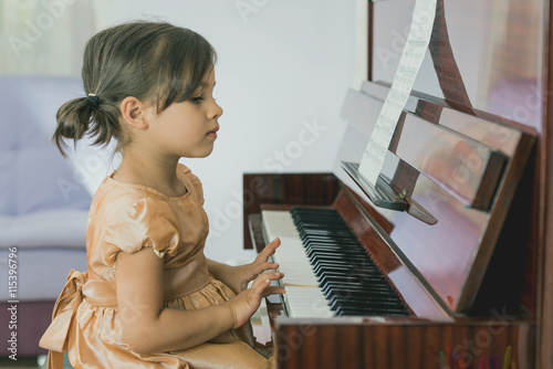 nudist-little-girl-playing-piano-sex-in-movie-tv