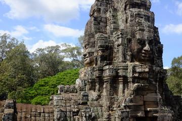 Temple aux visages