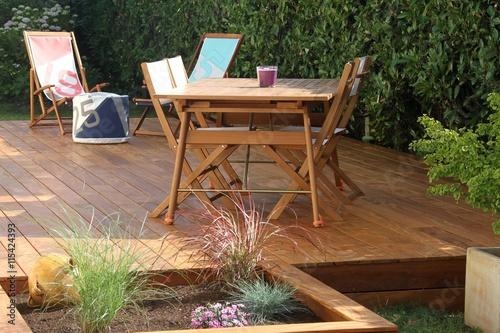 r alisation d 39 une terrasse en bois exotique zdj stockowych i obraz w royalty free w fotolia. Black Bedroom Furniture Sets. Home Design Ideas