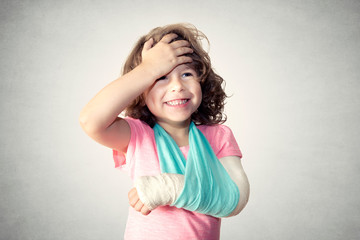 Little child with broken hand