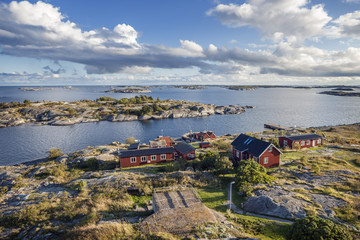 Sweden, Sea of Aland, Landscape with houses by sea
