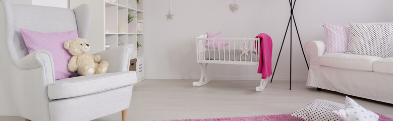 Simple style baby room idea