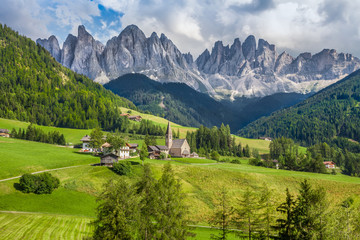 Fototapete - Val di Funes, South Tyrol, Italy