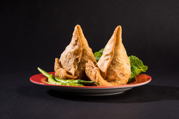 vegetable samosa, popular north indian snack