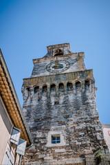 Le village de Grignan, les remparts, le château