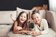 Detaily fotografie Children with pet