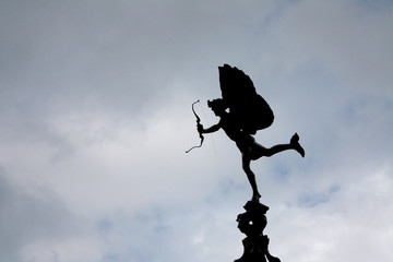 Piccadilly Circus Angel with broken bow
