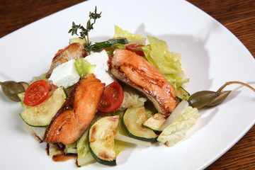 Salad with smoked salmon and Zucchini