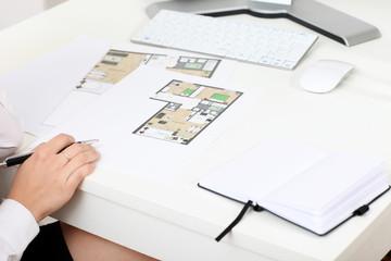 Baupläne auf dem Schreibtisch