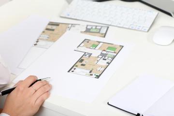 Baupläne und Stift