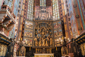 Autocollant pour porte Cracovie The altarpiece of Veit Stoss in St. Mary's Basilica, Cracow, Poland.