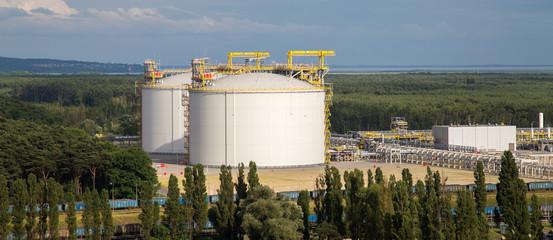 LNG storage