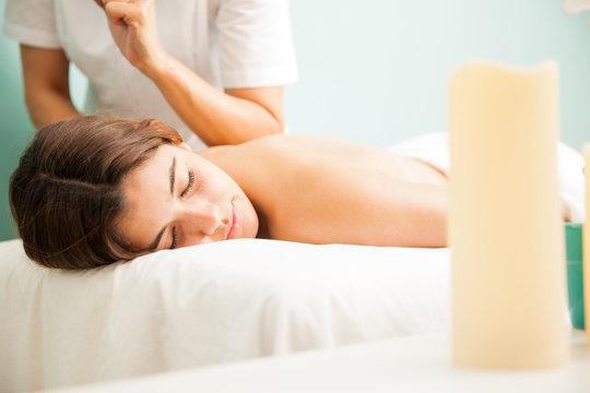Lomi lomi massage at a health spa
