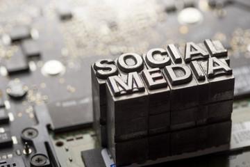 Social media & Blog icon by letterpress