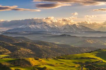 Fototapeta Pieniny ,Wysoki Wierch , widok  na Tatry i słowacki Spisz obraz